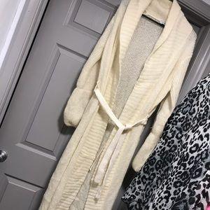 Full length Cream Sweater size large. MUST BUNDLE